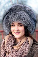 Шапки для узкого лица женские – Головные уборы для женщин после 50 лет (43 фото): модели для разного типа лица, зимние, летние или осенние головные уборы
